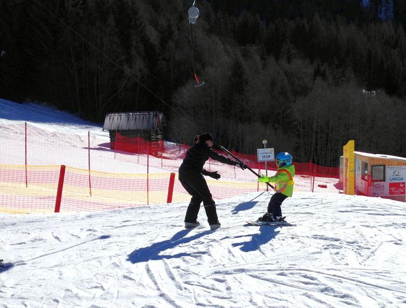 Wann lernen Kinder Skifahren?