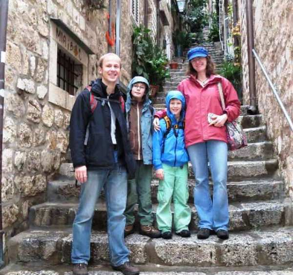 Lena von family4travel