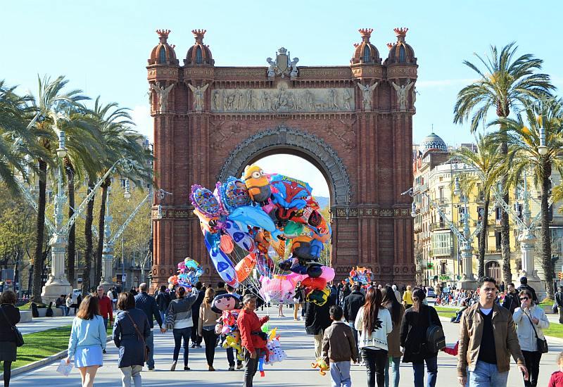 Barcelona mit Kindern: Arc de Triomf
